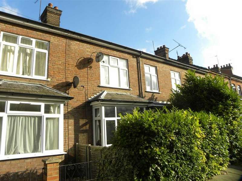 Terraced House for rent in Alfred Street, Dunstable, Bedfordshire, LU5