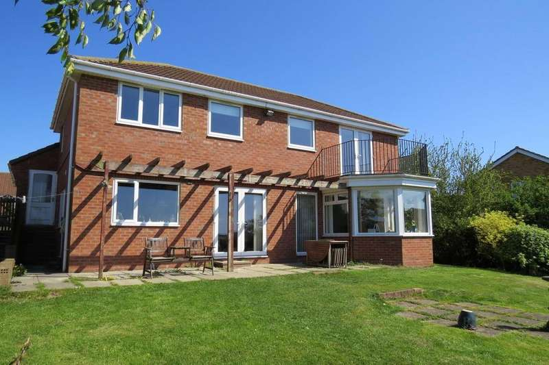 4 Bedrooms Detached House for sale in Whittingham Close, Wellhead Dene, Ashington