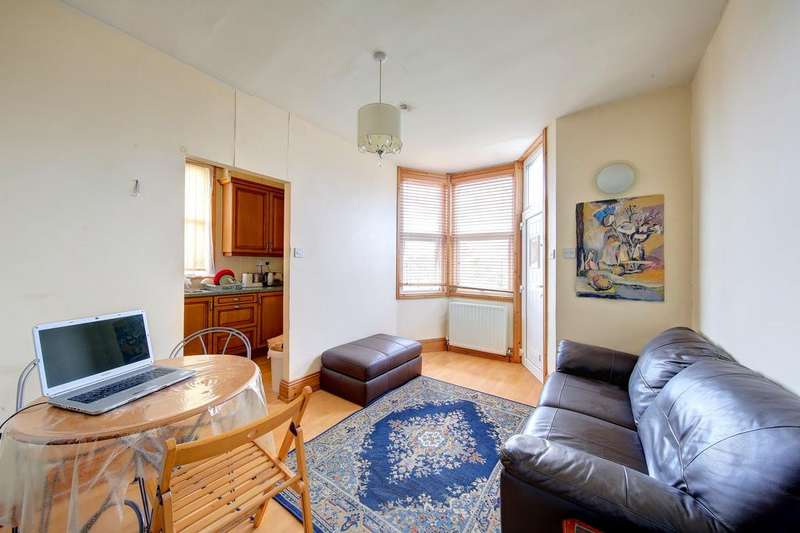 1 Bedroom Flat for sale in Fulham Palace Road, Hammersmith, London