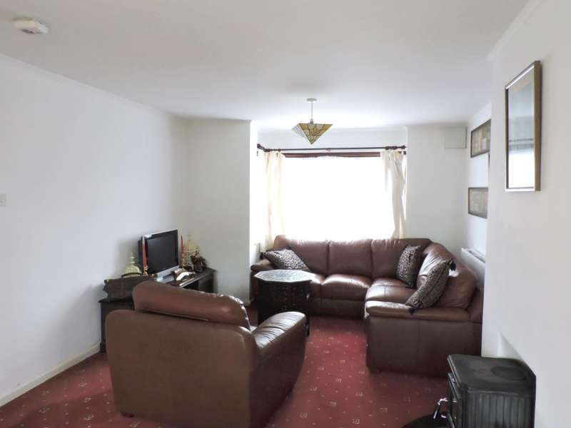 3 Bedrooms Semi Detached House for rent in Napier Crescent, Fareham
