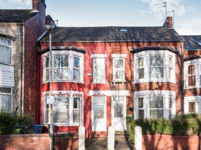 4 Bedrooms Terraced House for sale in Westbury Road, Manchester