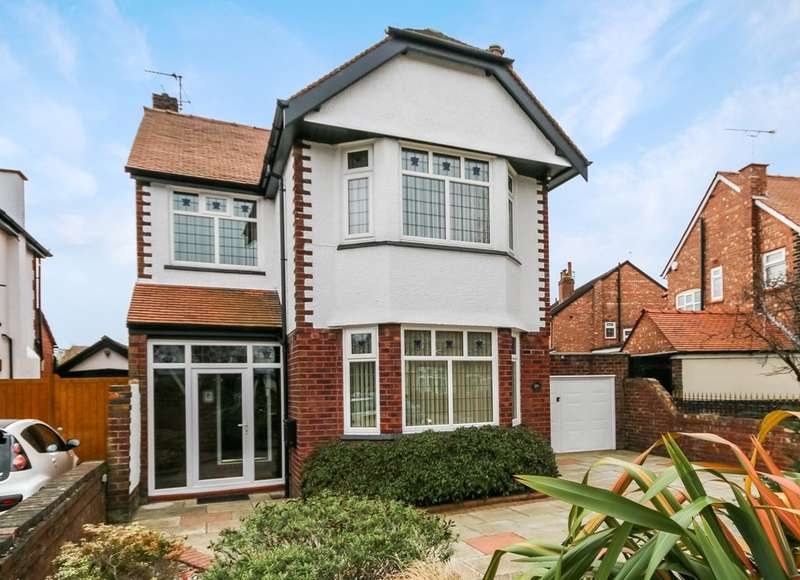 3 Bedrooms Detached House for sale in Radnor Drive, Churchtown, Southport