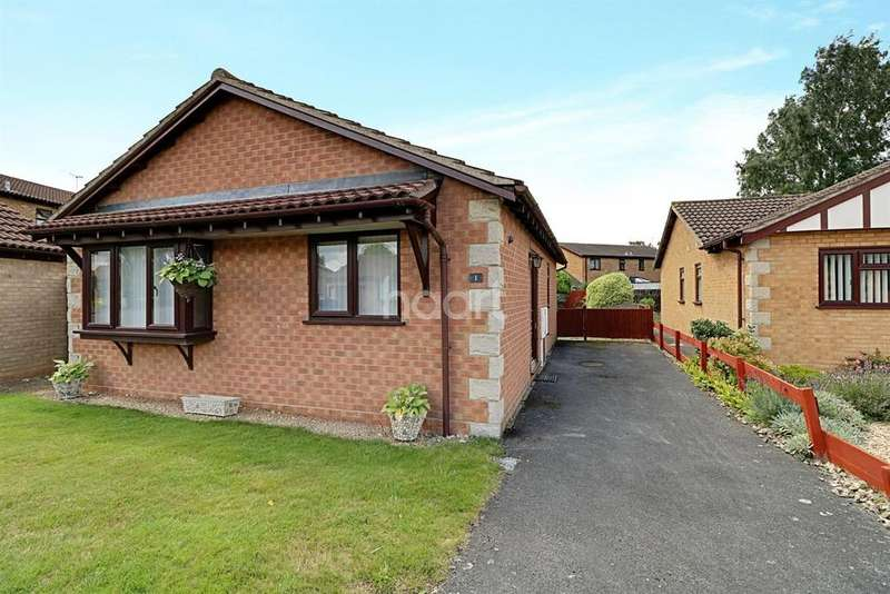 2 Bedrooms Bungalow for sale in Hadleigh Drive, Lincoln