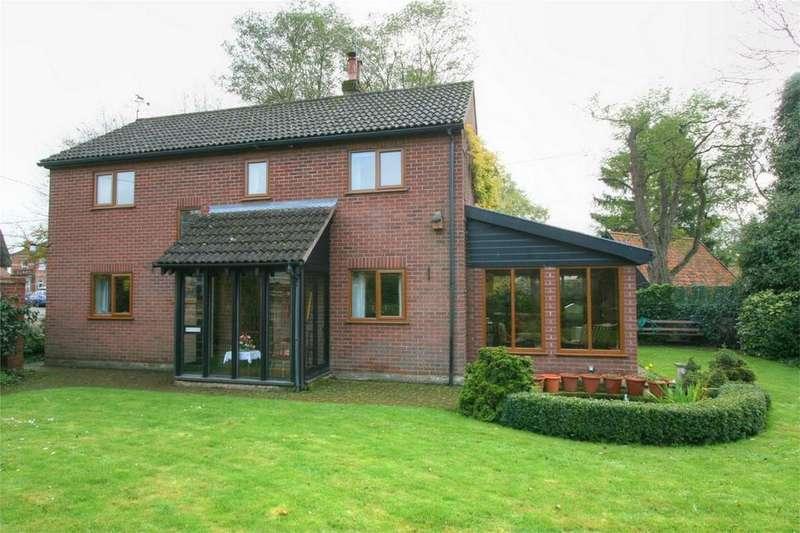 4 Bedrooms Detached House for sale in Market Street, NR16 2AD, East Harling, Norfolk