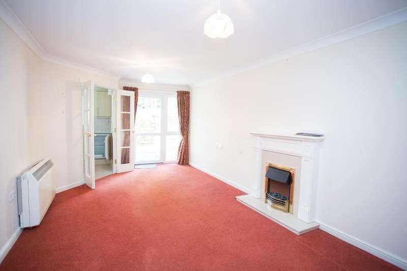 1 Bedroom Retirement Property for sale in Risingholme Court, High Street, Heathfield, East Sussex, TN21 8GB