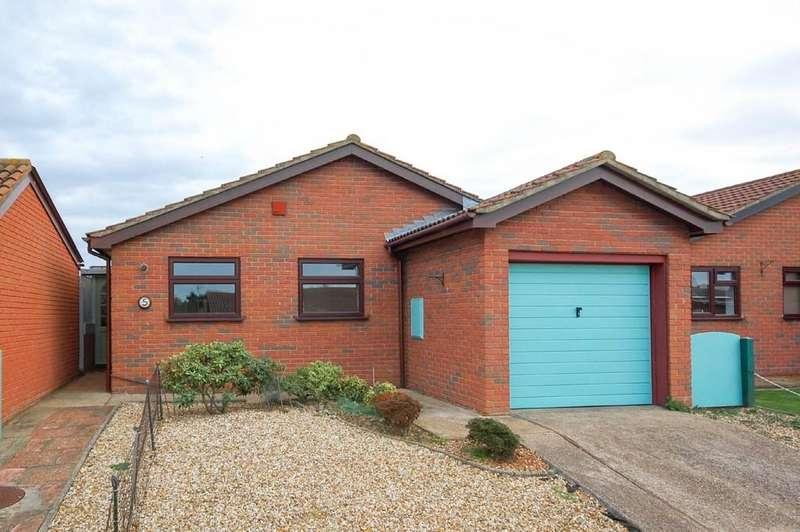 2 Bedrooms Detached Bungalow for sale in Priest Fields, Bishopstone