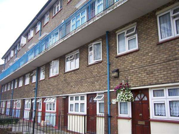 3 Bedrooms Flat for sale in Beaconsfield Road, Canning Town, London