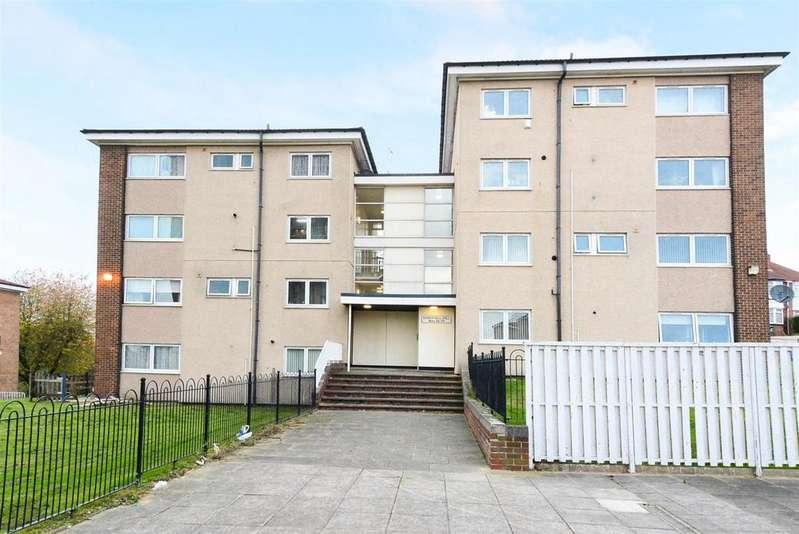 3 Bedrooms Maisonette Flat for sale in Kirkstall Hill, Kirkstall