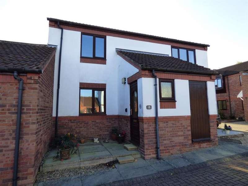 2 Bedrooms Flat for sale in Durham Mews, Beverley, East Yorkshire, HU17 8NZ