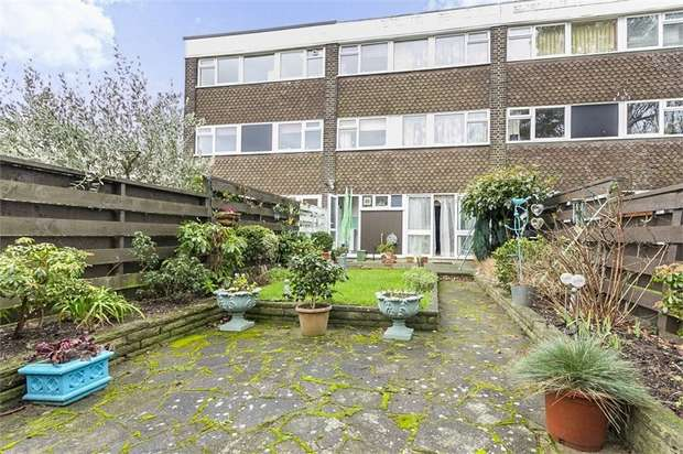 3 Bedrooms Town House for sale in The Knoll, London