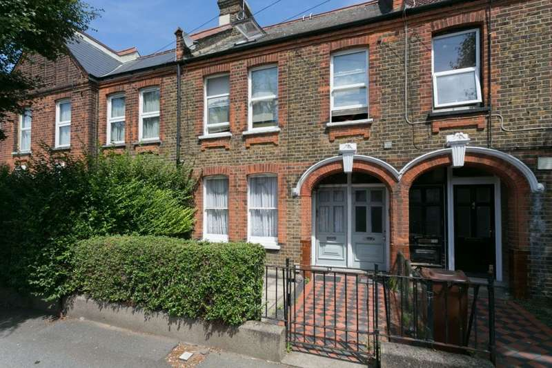 2 Bedrooms Flat for sale in Hitcham Road, Walthamstow, London, E17