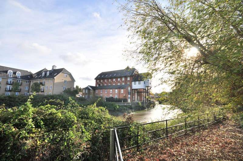2 Bedrooms Penthouse Flat for sale in The Mill Apartments, East Street, Colchester, CO1 2QT