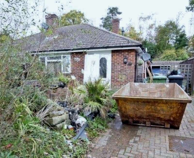 3 Bedrooms Detached Bungalow for sale in Heather Close, Whitehill, Bordon, Hampshire, GU35 9DU