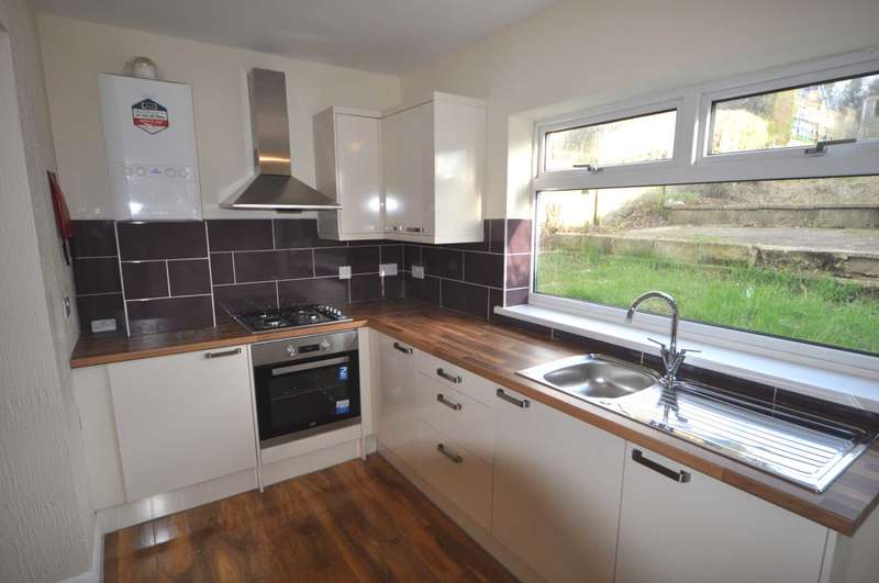 3 Bedrooms Semi Detached House for rent in Cardinal Avenue, St Budeaux