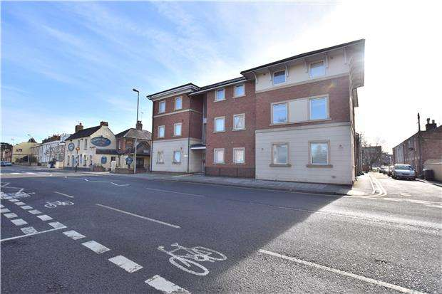 2 Bedrooms Flat for sale in London Road, GLOUCESTER, GL1 3PB