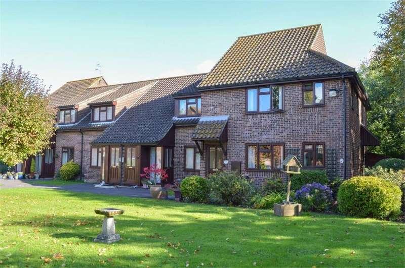 2 Bedrooms Retirement Property for sale in Alderfield, Petersfield, Hampshire
