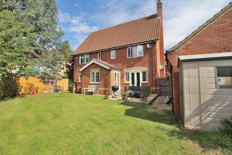 5 Bedrooms Detached House for sale in Glovers, Great Leighs, Chelmsford, Essex, CM3