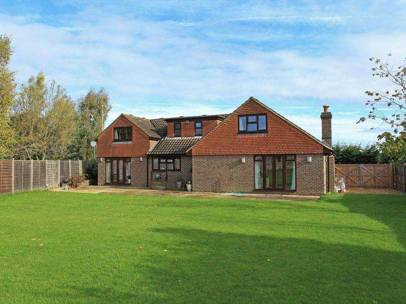 4 Bedrooms Detached House for sale in Eastbourne Road, Halland