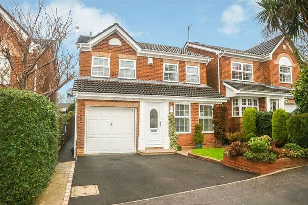 4 Bedrooms Detached House for sale in Woodpecker Drive, Poole, Dorset