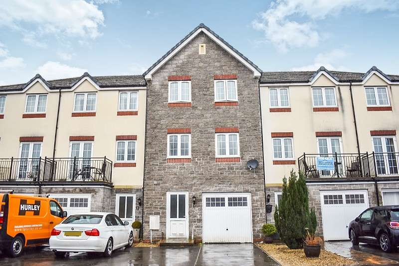 3 Bedrooms Town House for sale in 3 Cwrt Tynewydd , Ogmore Vale, Bridgend. CF32 7DJ