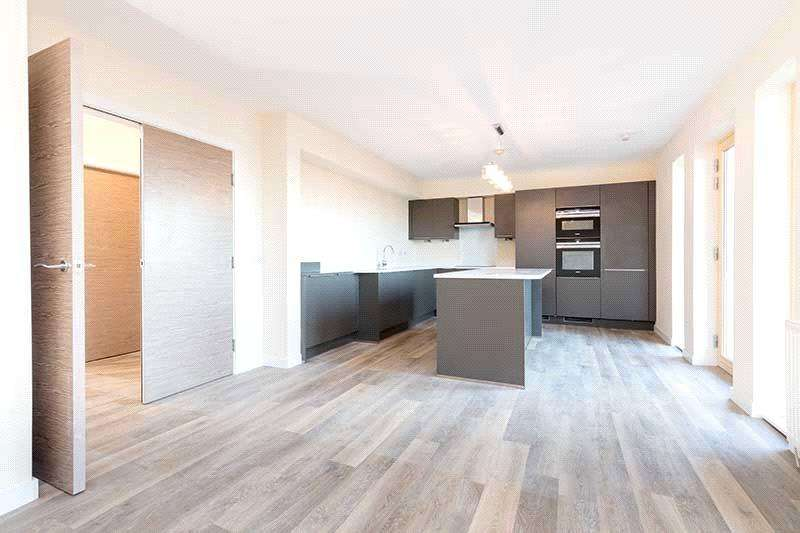 2 Bedrooms Flat for sale in 1/1 - North Beach, Links Road, Prestwick, Ayrshire, KA9