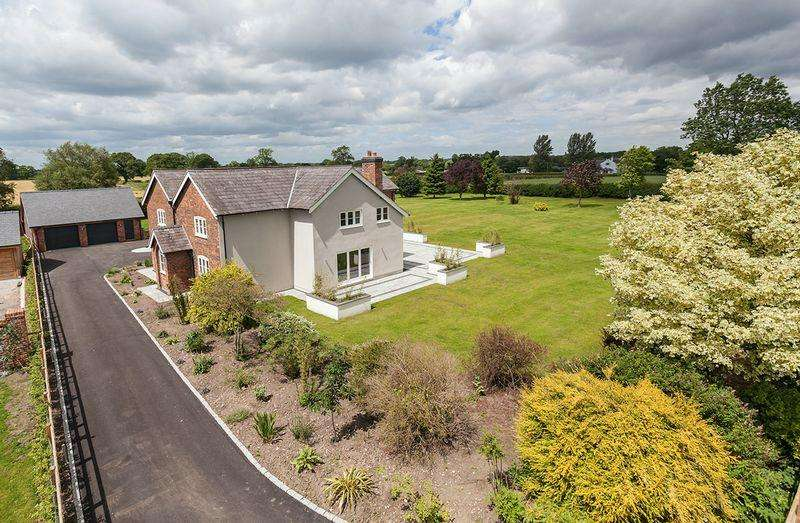 5 Bedrooms Detached House for sale in Fabulous refurbished country house in Allostock, Knutsford