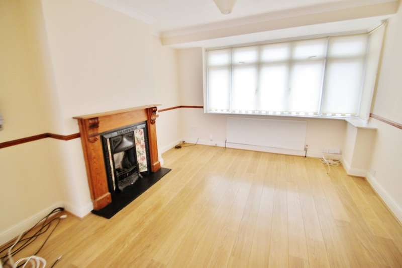 4 Bedrooms Semi Detached House for rent in Beech Hall Crescent, Highams Park