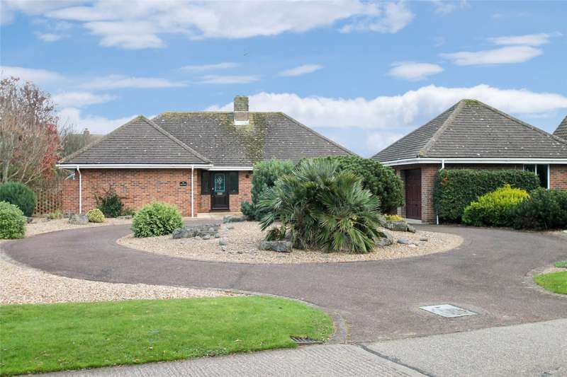4 Bedrooms Detached Bungalow for sale in Pigeonhouse Lane, Willowhayne, Rustington, BN16