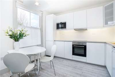 3 Bedrooms Flat for rent in Pleydell Avenue, Chiswick, W6