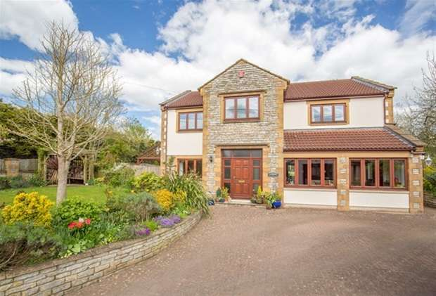 5 Bedrooms Detached House for sale in Stocks Lane