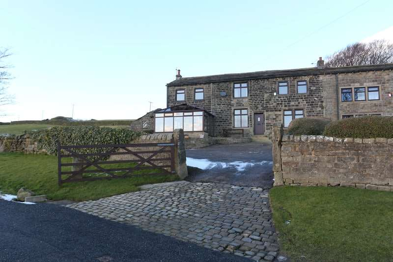 5 Bedrooms Farm House Character Property for sale in Braithwaite Edge Road, Keighley, West Yorkshire, BD22