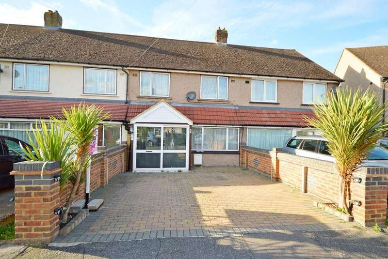 4 Bedrooms Terraced House for sale in St. Andrews Avenue, Hornchurch, Essex, RM12