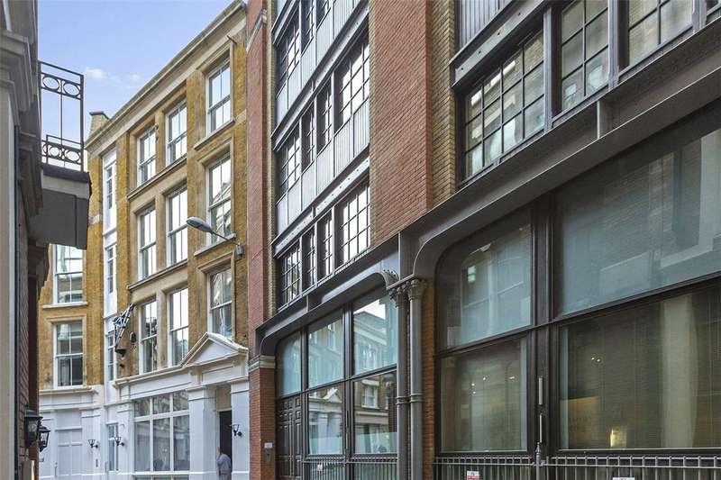 Studio Flat for sale in Ludgate Square, London, EC4M