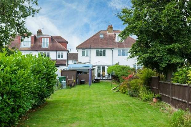 3 Bedrooms Detached House for sale in 105 Swallow Street, Iver Heath, Buckinghamshire