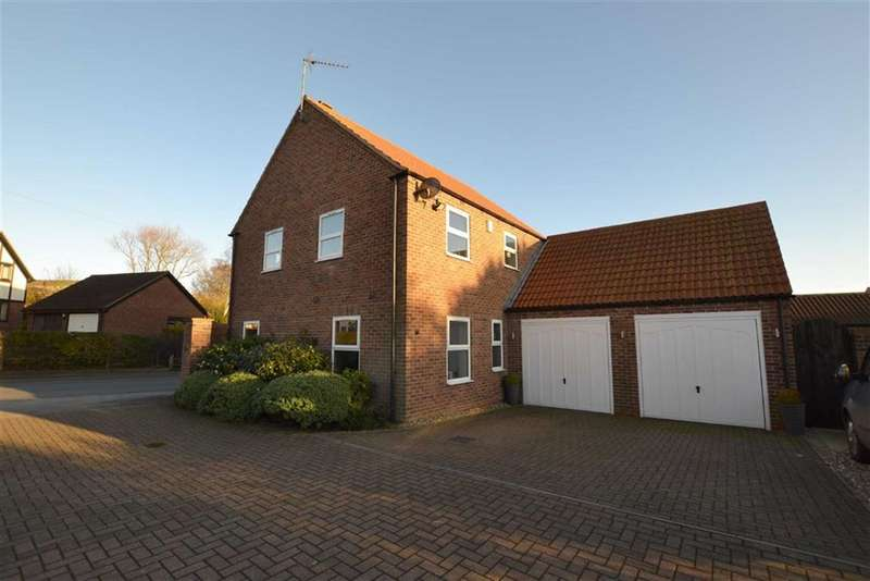 4 Bedrooms Detached House for sale in Main Street, Buckton, East Yorkshire, YO15
