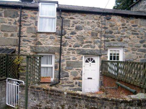 2 Bedrooms Unique Property for sale in Min Y Coed, Grogan Terrace, Harlech LL46