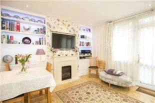 3 Bedrooms Flat for sale in Ramsey House, Maysoule Road, Battersea, London