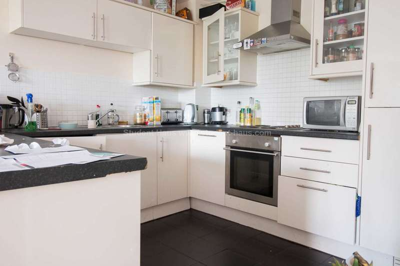4 Bedrooms Flat for sale in Percy Street, Manchester, M15 4AB