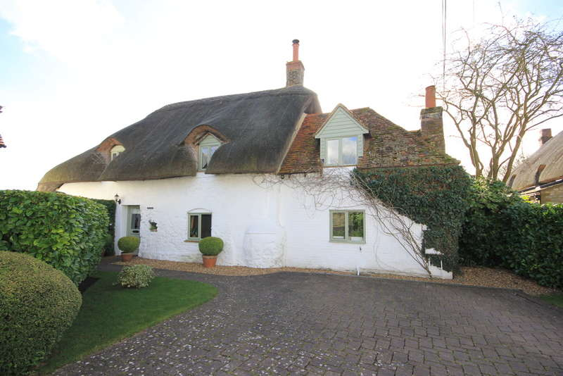 3 Bedrooms Cottage House for sale in Dinton | Buckinghamshire