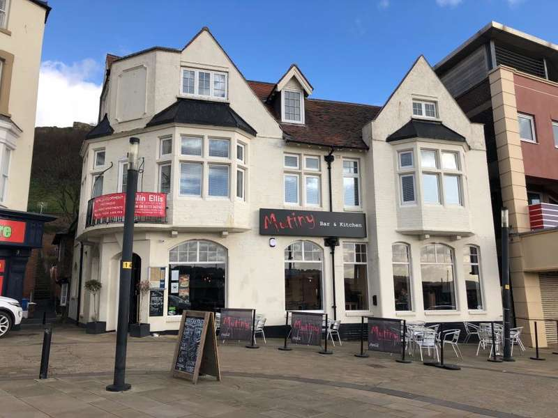 3 Bedrooms Apartment Flat for sale in Apt 2 Quay View, Quay Street, Sandside, Scarborough, North Yorkshire YO11 1PL