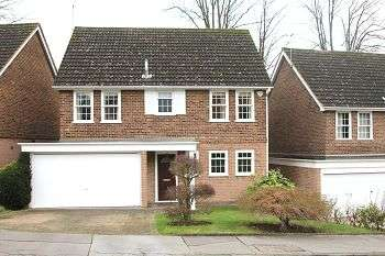 4 Bedrooms Detached House for sale in Roundwood, Chislehurst, Kent, BR7 5RQ