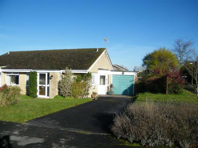 2 Bedrooms Bungalow for sale in Wycombe Close, Derry Hill, Calne