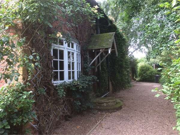 5 Bedrooms Detached House for sale in Mansfield Road, Annesley, Nottingham