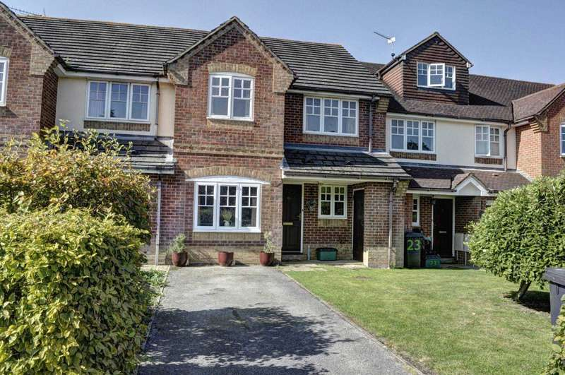 3 Bedrooms Terraced House for sale in Saunderton Village