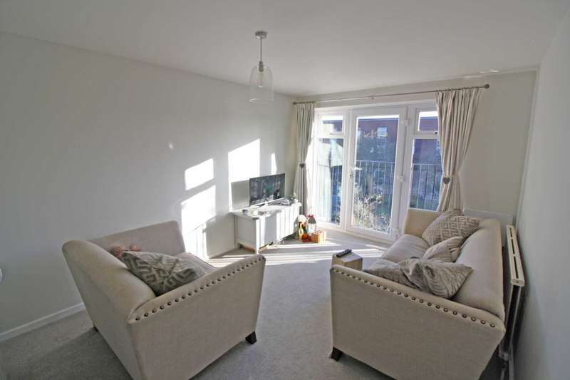 2 Bedrooms Apartment Flat for rent in Charter Way, Wallingford