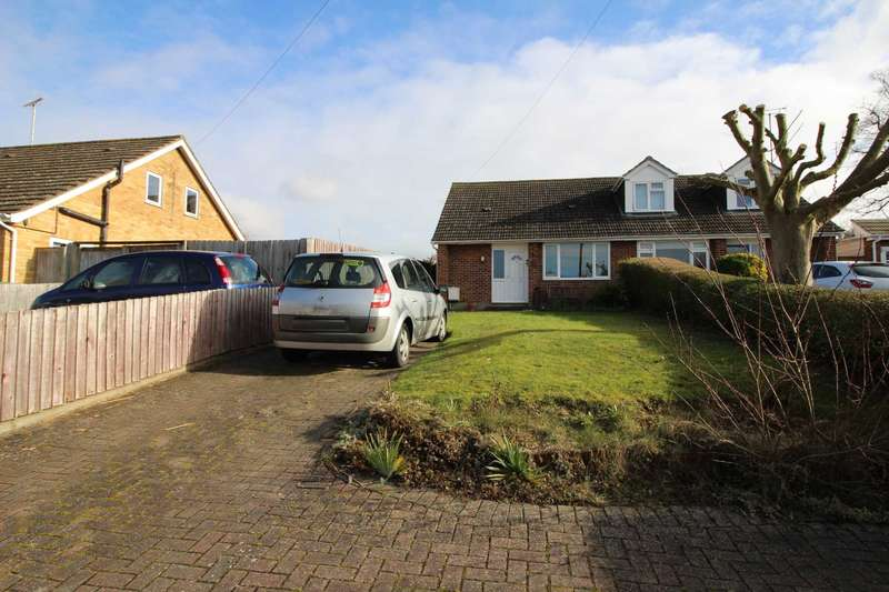 3 Bedrooms Bungalow for sale in St Annes Close, Coggeshall