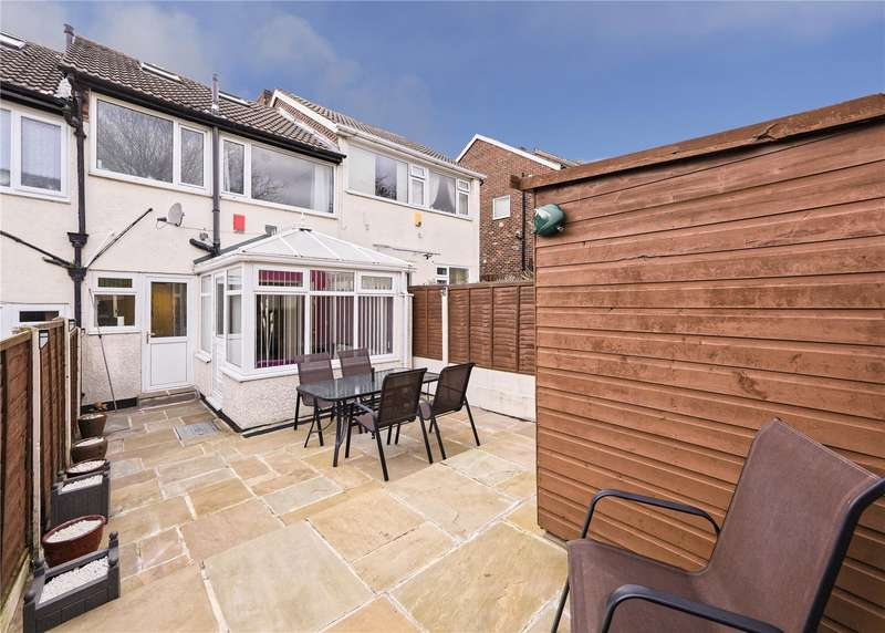 3 Bedrooms Town House for sale in Somerdale Close, Leeds, West Yorkshire, LS13