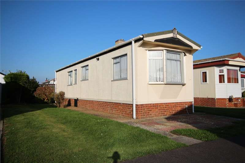 2 Bedrooms House for sale in Tudor Close, Broadway Park, Lancing, BN15