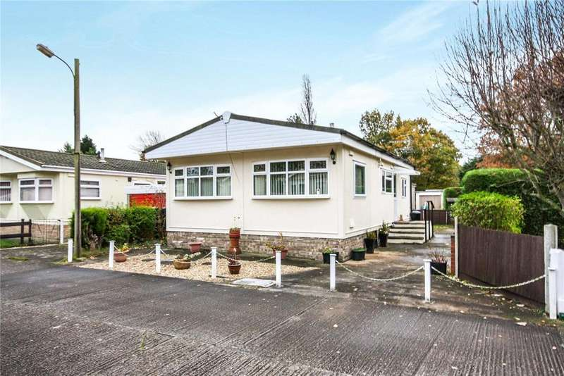 2 Bedrooms Detached Bungalow for sale in Longacre Park, Wood Lane, South Hykeham, Lincoln, LN6
