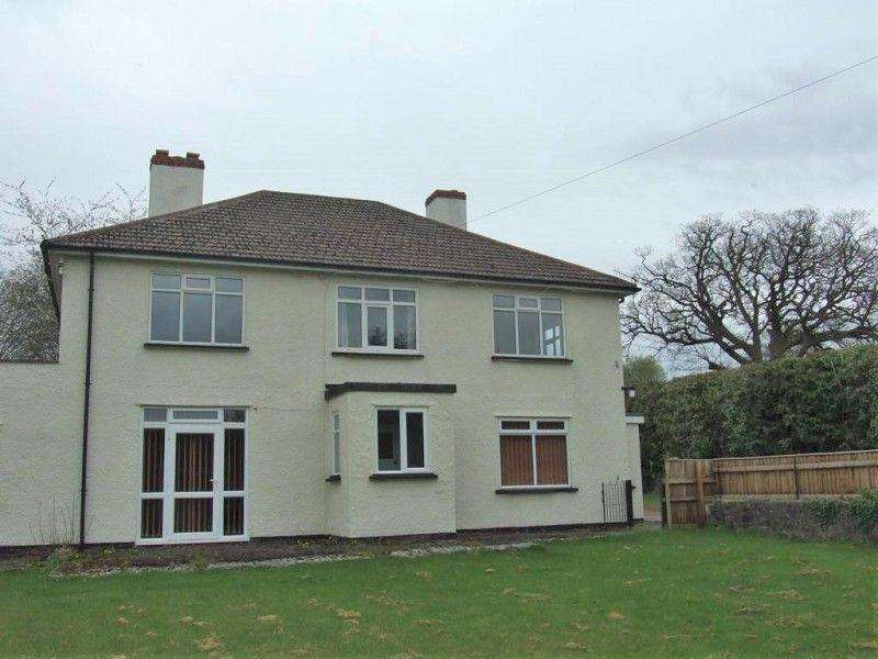 4 Bedrooms Detached House for rent in Garth House, Coedwaungar, Sennybridge, Brecon, Powys, LD3 8TW.